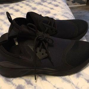 Nike vt2 tennis shoes